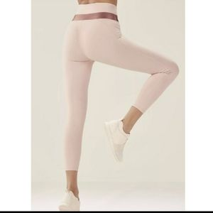 Fabletics demi lovato pink valletta leggings